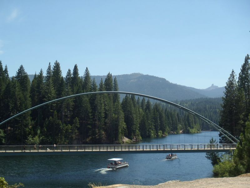 Lake Siskiyou Bridge