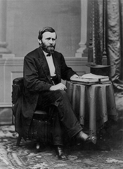 President_Ulysses_S._Grant_seated_portrait_Brady